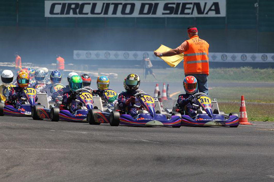 Circuito Karting : Karting spettacolo per le finali al circuito di siena